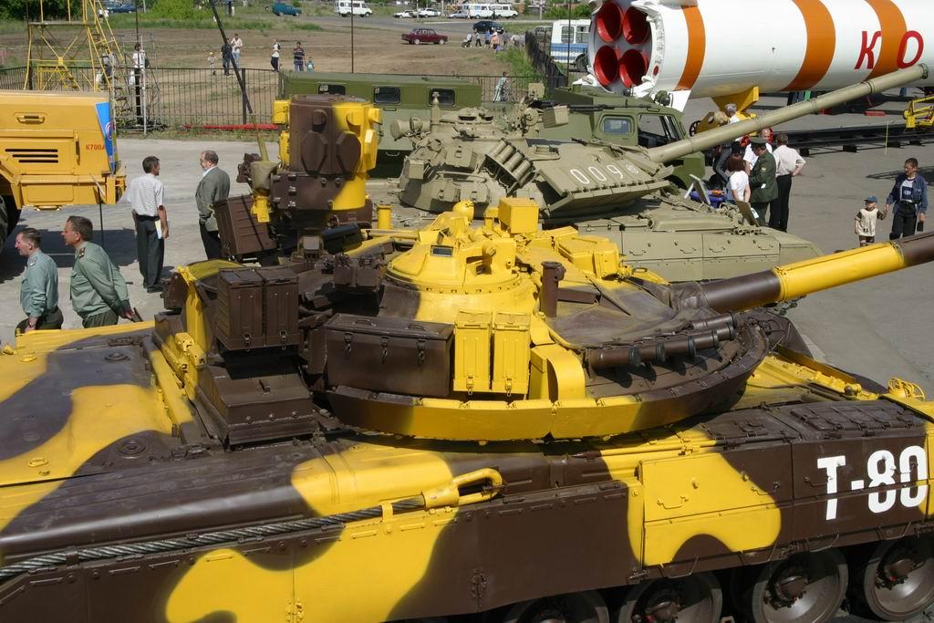 t-80um1_armyrecognition_russia_007.jpg