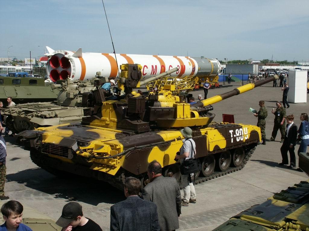 t-80um1_armyrecognition_russia_013.jpg