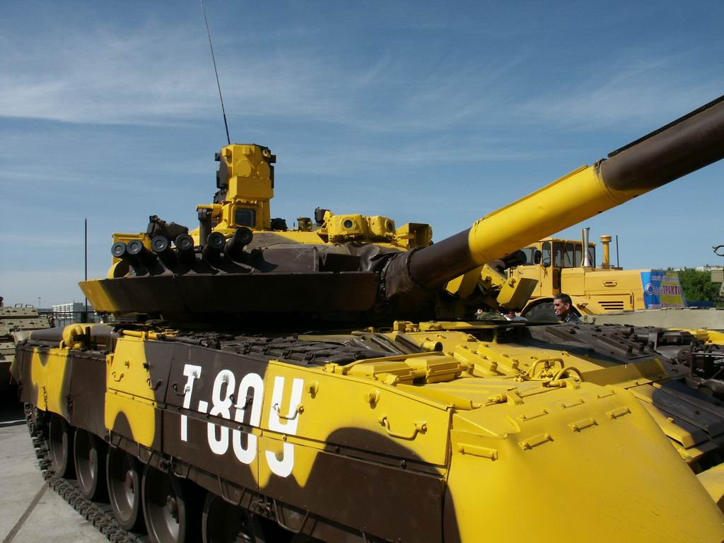 t-80um1_armyrecognition_russia_017.jpg