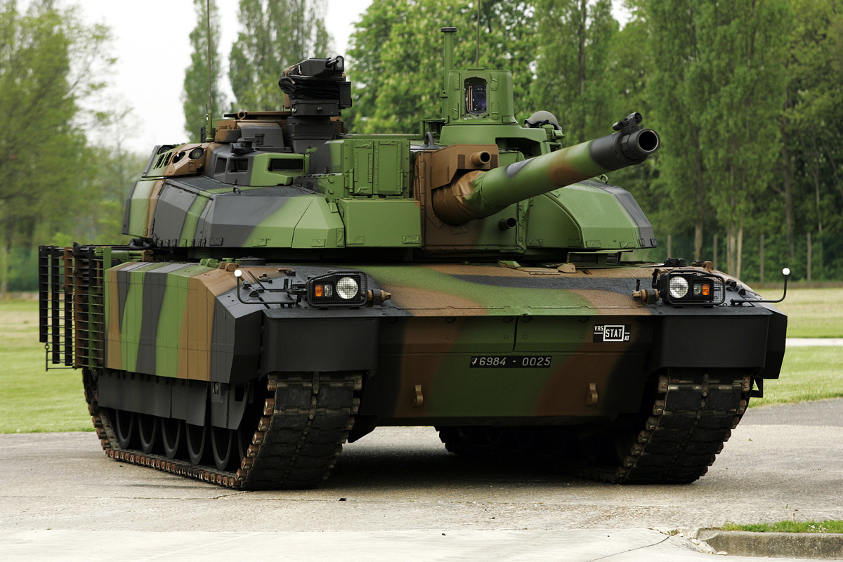Vídeo: AMX-56 LECLERC –  Carro de combate principal do exército francês