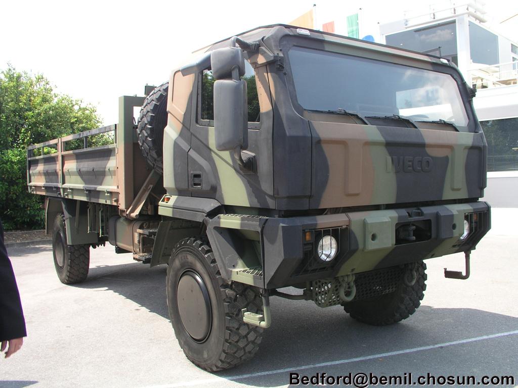 Agc airlift global carrier aris spa automezzi tattico logistici pinterest armored vehicles